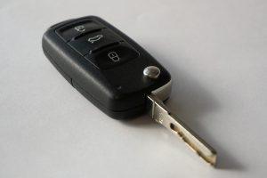 car-keys-1234786_1280